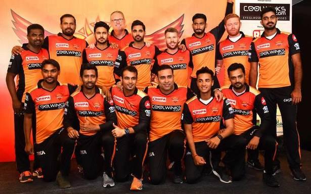IPL 2021 : सनराइजर्स हैदराबाद ने इन 5 खिलाड़ियों को किया रिलीज, इन 18 को किया रिटेन 1