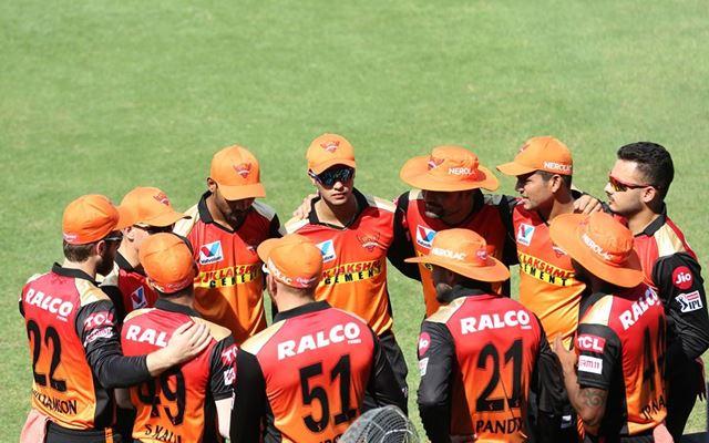 IPL 2021 : सनराइजर्स हैदराबाद ने इन 5 खिलाड़ियों को किया रिलीज, इन 18 को किया रिटेन 4