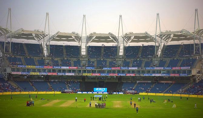 IND vs ENG: मुंबई के वानखेड़े स्टेडियम में खेला जा सकता है भारत और इंग्लैंड के बीच तीसरा वनडे 3