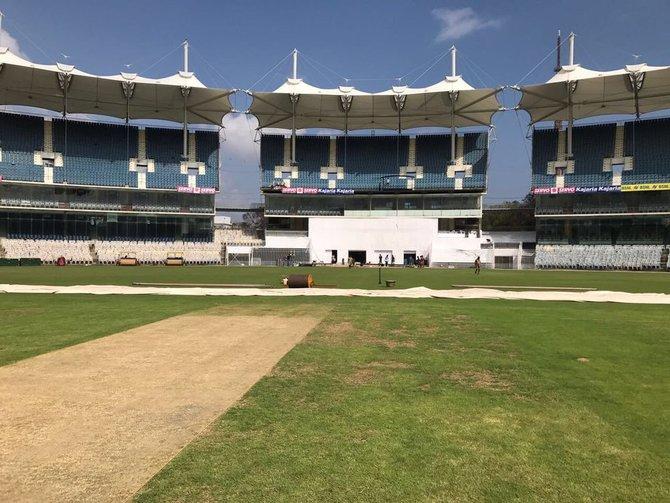 RR vs SRH: IPL 2021: TOSS REPORT: सनराइजर्स हैदराबाद ने टॉस जीत चुनी गेंदबाजी, कप्तान बनते ही विलियमसन ने इन 3 खिलाड़ियों को किया बाहर 3