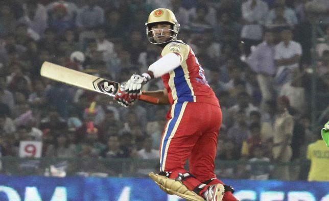 आईपीएल इतिहास में 100 से कम के स्ट्राइक रेट से बल्लेबाजी करने वाले 5 स्पेशलिस्ट बल्लेबाज 8