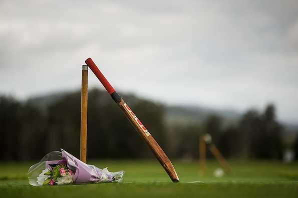 क्रिकेट जगत के लिए बुरी खबर, भारत के खिलाफ डेब्यू मैच में ही शतक ठोकने वाले दिग्गज खिलाड़ी का निधन 4