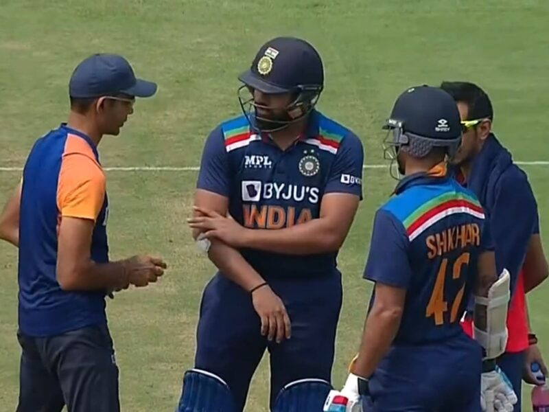 WATCH : रोहित शर्मा को लगी चोट, हाथ से निकला खून, टीम के लिए नहीं छोड़ा मैदान, देखें वीडियो 9