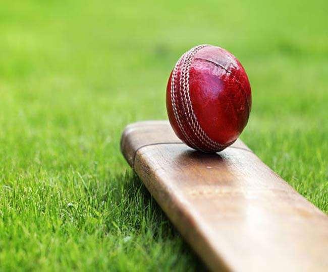 इंग्लैंड के क्रिकेटरों के भद्दे रवैये से परेशान हुआ अंपायर, LIVE मैच में छोड़ दिया मैदान 2