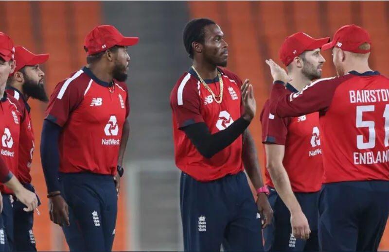 IND vs ENG : चौथे टी-20 में इंग्लैंड पर लगा स्लो ओवर रेट का जुर्माना, देनी होगी ये बड़ी रकम 9