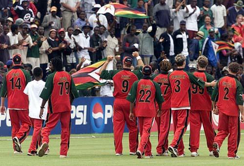 अपने ही देश की सरकार के खिलाफ काली पट्टी बांधकर मैदान में उतरे थे ये क्रिकेटर 7