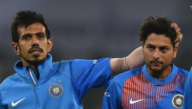 INDvsENG: युजवेंद्र चहल के बाद कुलदीप यादव भी हुए फ्लॉप, तीसरे वनडे में किस स्पिनर को मिलेगा मौका? 6