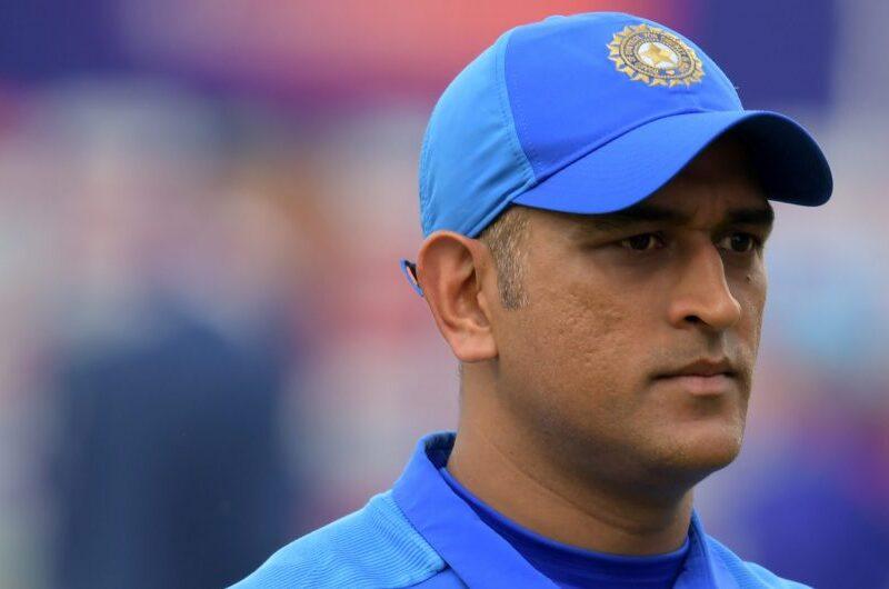 """""""महेंद्र सिंह धोनी पर आँख बंद कर विश्वास करते हैं भारतीय खिलाड़ी, गोली खाने को भी हैं तैयार"""" 10"""
