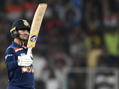 श्रीलंका दौरा: टीम इंडिया के इस धुरंधर के कभी बीच रोड पर लोगों ने फाड़े थे कपड़े, अब वनडे क्रिकेट में करेगा डेब्यू 21