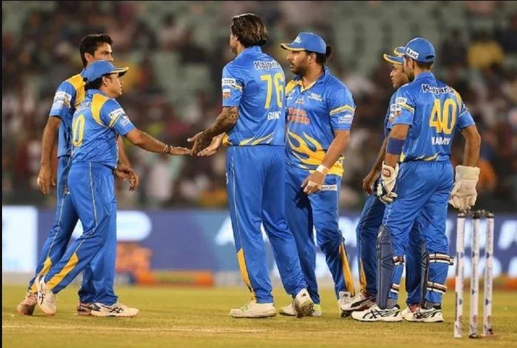 """""""फ़ील्डिंग करने से लेकर फ़ील्डिंग सेट करने तक.."""" 5 मौके जब दूसरी टीमों की मदद में उतरे भारतीय खिलाड़ी 3"""