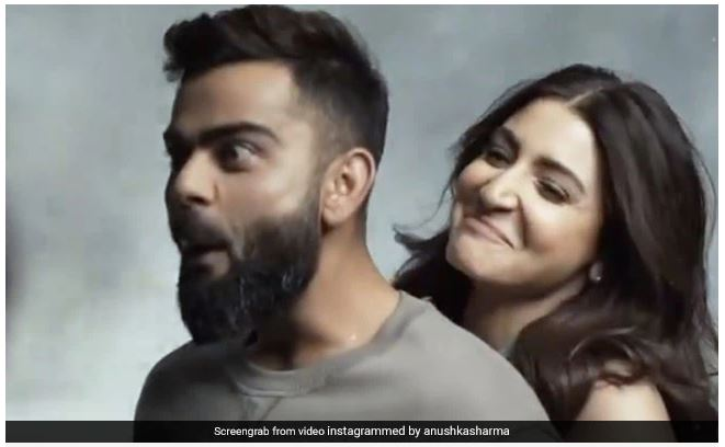 अनुष्का शर्मा ने अपनी ताकत से विराट कोहली को उठाया, कप्तान बोले ओ तेरी... 1