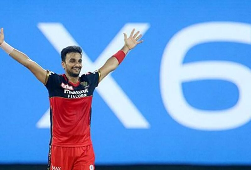 MIvsRCB : 'मैन ऑफ़ द मैच' हर्षल पटेल ने बताया, आखिर कैसे कर पाए करिश्माई गेंदबाजी 14