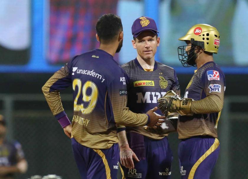 IPL 2021: बायो-बबल में रहने के बाद भी केकेआर के 2 खिलाड़ी हुए कोरोना पॉजिटिव, कैसे? 2