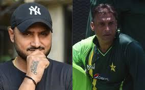 IND vs PAK: भारत के खिलाफ विश्व कप 2011 सेमीफाइनल से ठीक पहले शोएब अख्तर ने हरभजन सिंह से मांगी थी ये मदद, अब भज्जी ने खोला राज 1