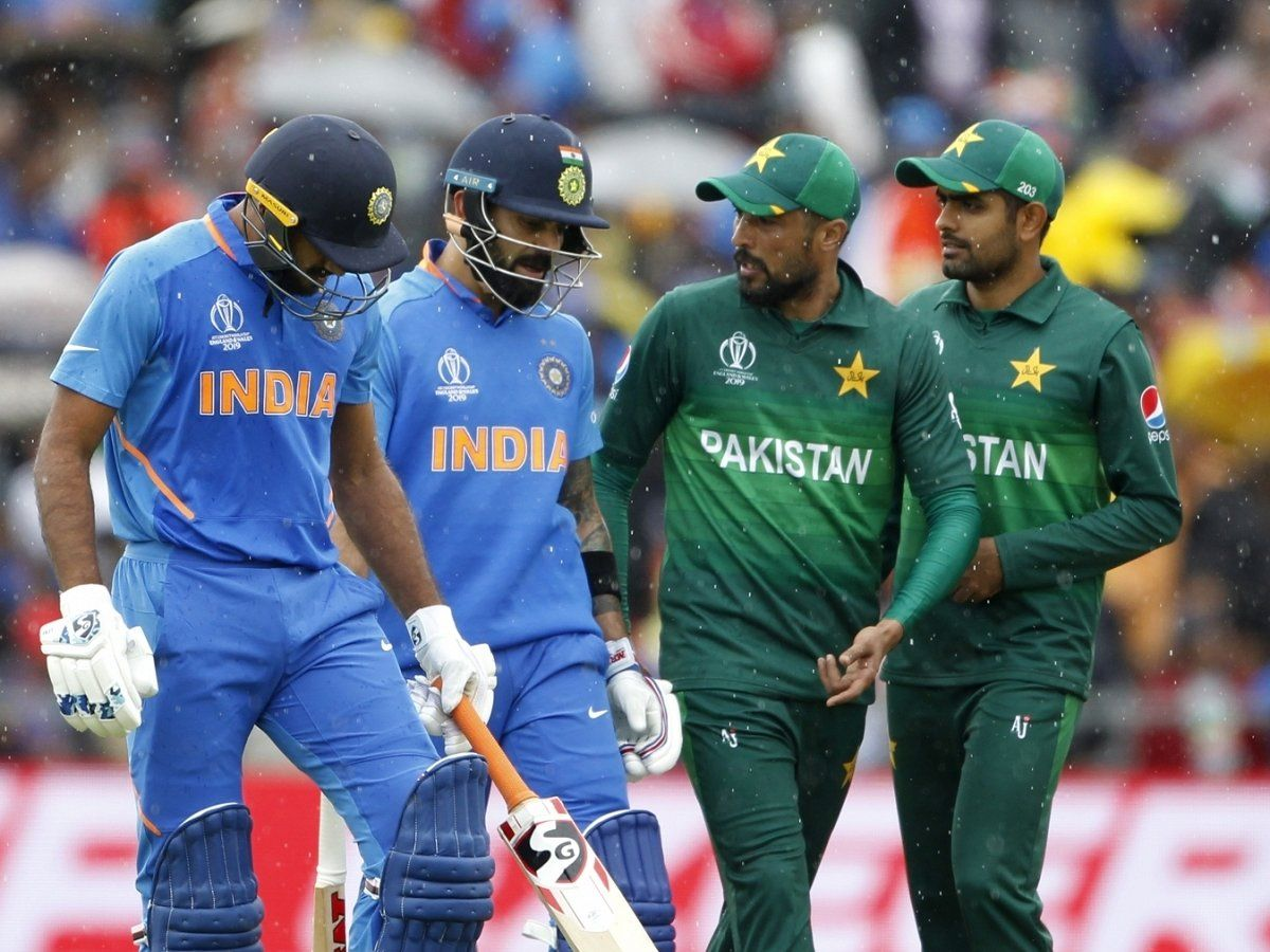 पाकिस्तानी खिलाड़ियों की सैलरी को जानकर आपको आ जाएगा तरस, इतने कम पैसे देता है भारत से बराबरी का बात करने वाला पाकिस्तान 1