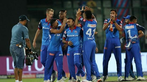 IPL 2021: इन चार टीमों की आकाश चोपड़ा ने प्लेऑफ में पहुंचने की करी भविष्यवाणी, दो बड़ी टीमों के नाम गायब 1