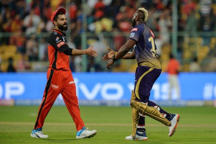 रोहित और धोनी नहीं यह खिलाड़ी है आईपीएल का सबसे विस्फोटक बल्लेबाज, आते ही कर देता है चौके छक्के की बरसात 3
