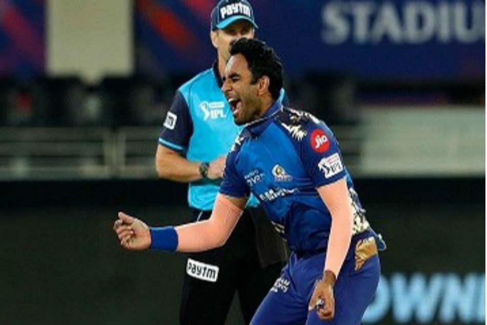 IPL 2021: सरप्राइज पैकेज के तौर पर यूज करती है मुंबई इंडियंस, सिर्फ 2 मैच खेल कर 5 करोड़ लेता है यह खिलाड़ी 3
