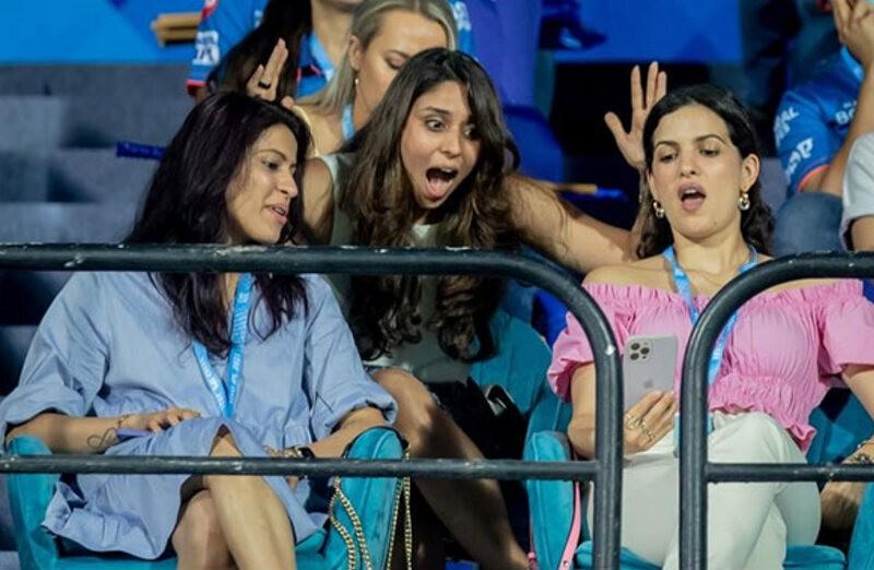IPL 2021: मुंबई इंडियंस और केकेआर के मैच के दौरान रितिक और नताशा के हैरानी की वजह आई सामने 1