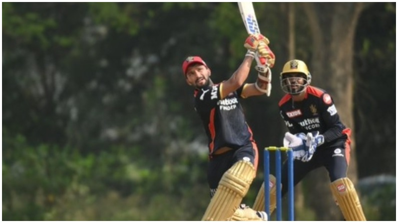 IPL 2021: 27 साल के इस खिलाड़ी ने RCB के लिए 49 गेंद पर बनाए 104 रन, विराट कोहली के मन में फूटे लड्डू 1