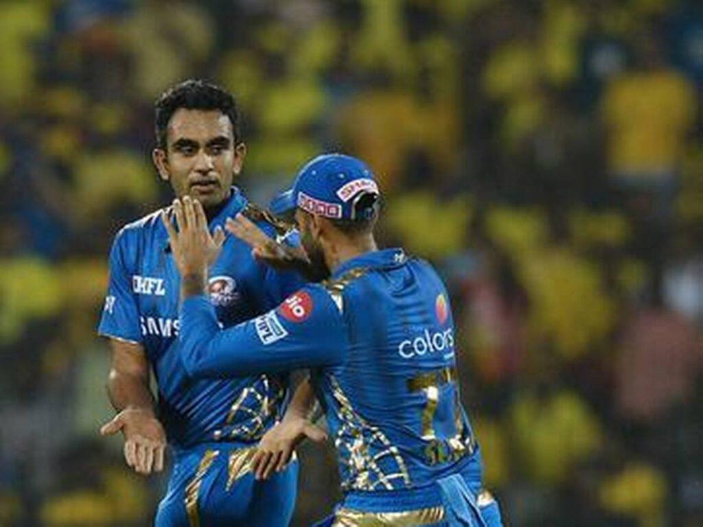 IPL 2021: सरप्राइज पैकेज के तौर पर यूज करती है मुंबई इंडियंस, सिर्फ 2 मैच खेल कर 5 करोड़ लेता है यह खिलाड़ी 4