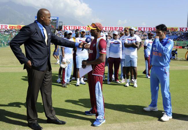 """5 ऐसे मौके जब खेल रहे खिलाड़ियों ने खुलकर की अपने ही क्रिकेट बोर्ड की आलोचना, इस भारतीय ने चयनकर्ताओं को कहा था """"जोकरों का झुंड"""" 15"""