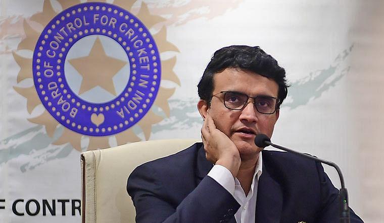 बीसीसीआई अध्यक्ष सौरव गांगुली का बड़ा बयान, कहा अब देश में नहीं होगा आईपीएल 4