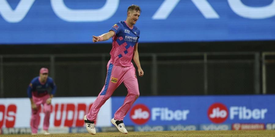 IPL 2021: आईपीएल 2021 में सर्वश्रेष्ठ प्रदर्शन करने वाले विदेशी खिलाड़ियों की प्लेइंग इलेवन जो किसी भी टीम को दे सकती है मात 7