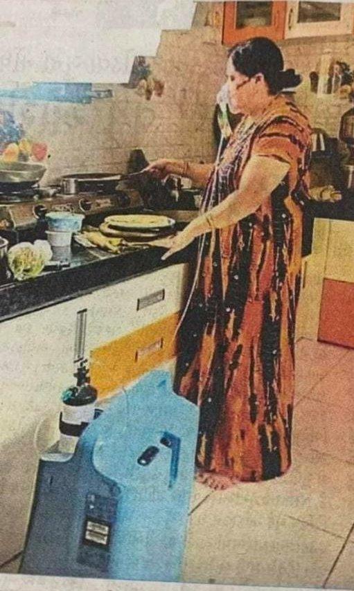 ऑक्सीजन सपोर्ट पर खाना बना रही कोरोना पॉजिटिव महिला को देखकर इमोशनल हुए सहवाग, ऐसे पहुंचाई मदद 1