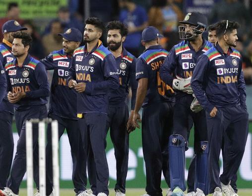 हार्दिक पांड्या या शिखर धवन नहीं बल्कि इस खिलाड़ी को श्रीलंका दौरे पर सौपी जा सकती है टीम इंडिया की कमान 11