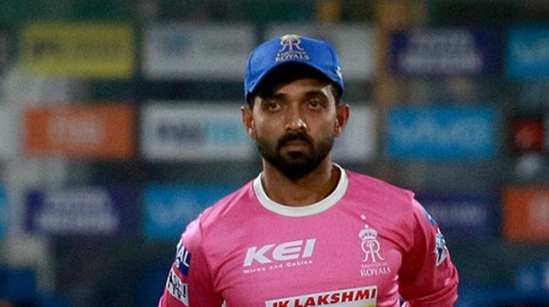 IPL 2021: डेविड वार्नर ही नहीं इन कप्तानो से भी बिच आईपीएल छीन ली गई थी कप्तानी 3