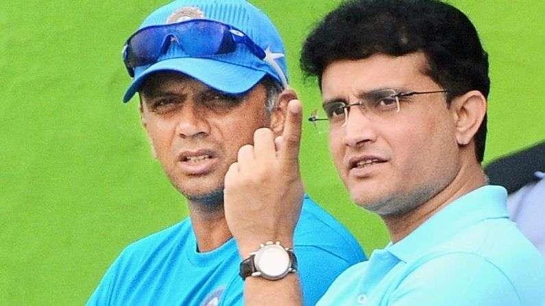 टीम इंडिया के पूर्व कोच ने एक बार फिर उगला जहर, सौरव गांगूली को लेकर कही ये बात 3