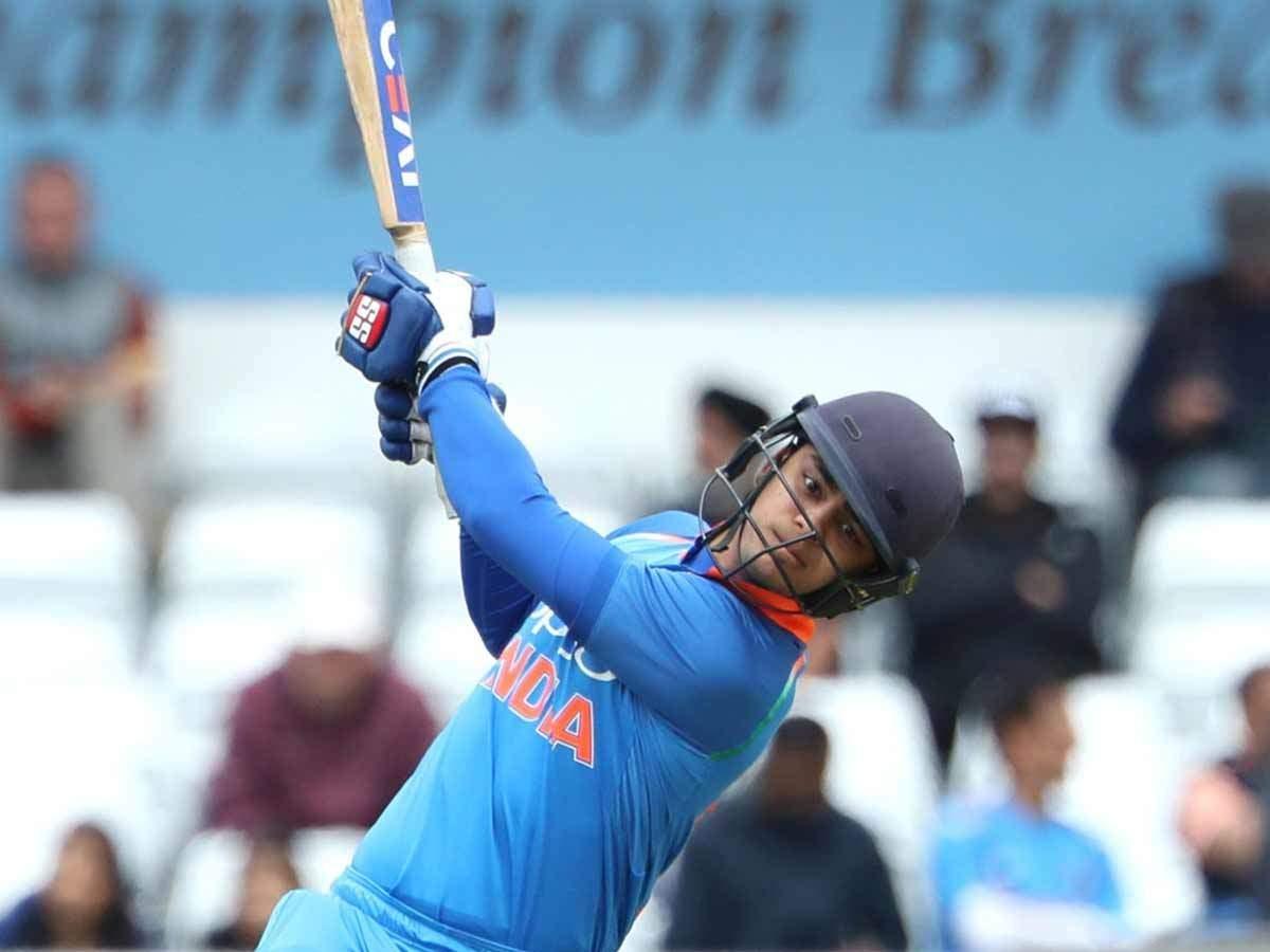 संजय मांजरेकर ने श्रीलंका दौरे के लिए चुनी संभावित टी20 प्लेइंग XI, देखें किन खिलाड़ियों को दी जगह 3