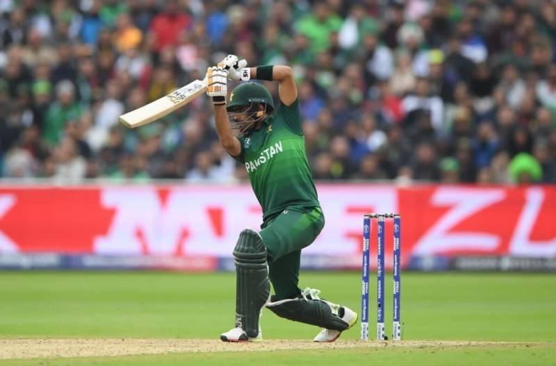 कवर ड्राइव को लेकर मचा बवाल बाबर आजम ने विराट कोहली नहीं इस बल्लेबाज को बताया इसका मास्टर 3