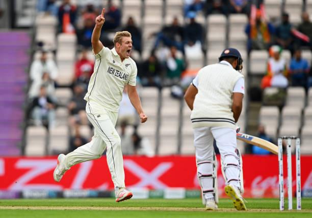 """""""ऐसे बल्लेबाजों का क्या फायदा जो सिर्फ घर के शेर हों"""" रोहित शर्मा पर भड़का ये भारतीय खिलाड़ी 2"""