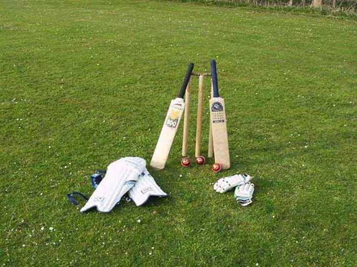 जब भारत का ये पूर्व क्रिकेटर अपने ही साथी खिलाड़ी के पीछे स्टंप लेकर मारने दौड़ा 2