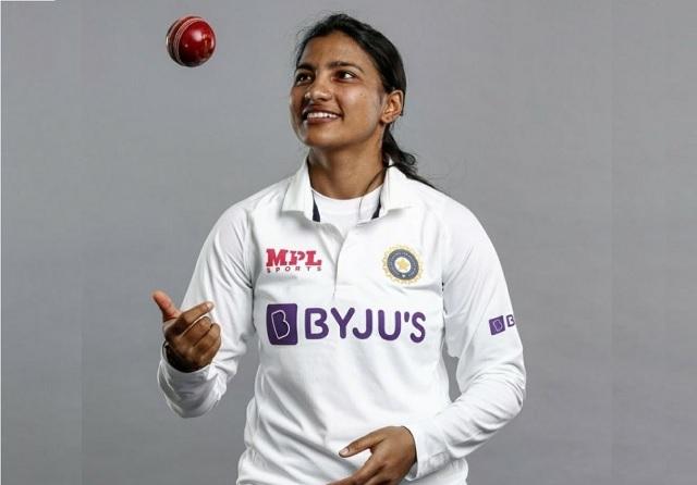 भारतीय महिला टीम को हार से बचाने के बाद स्नेहा राणा ने बताया कैसे डेब्यू मैच में टाल सकीं हार 14