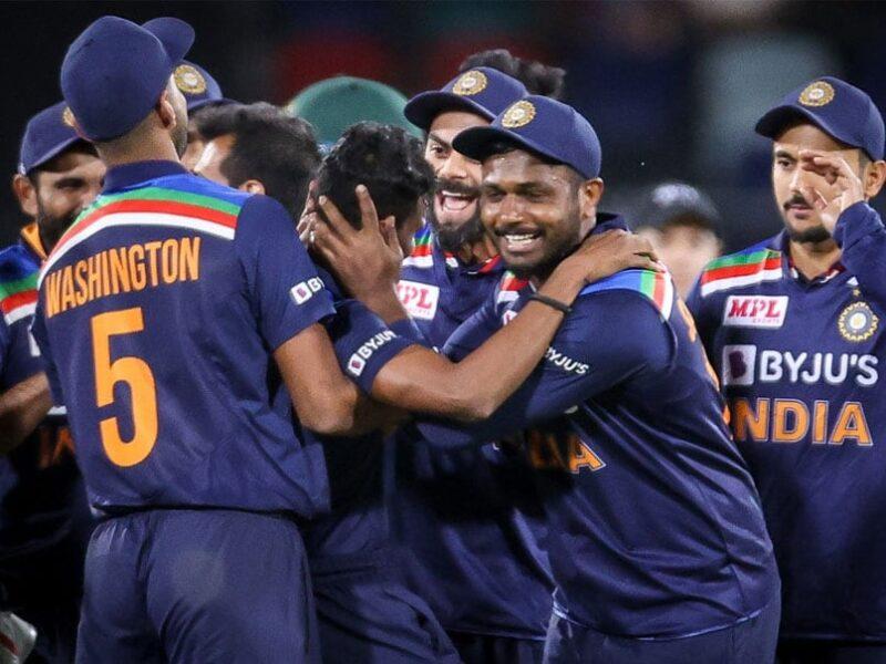 SL vs IND: दूसरे वनडे से पहले भारत के लिए आई बुरी खबर, श्रीलंका दौरे से बाहर हो सकता है ये खिलाड़ी 14