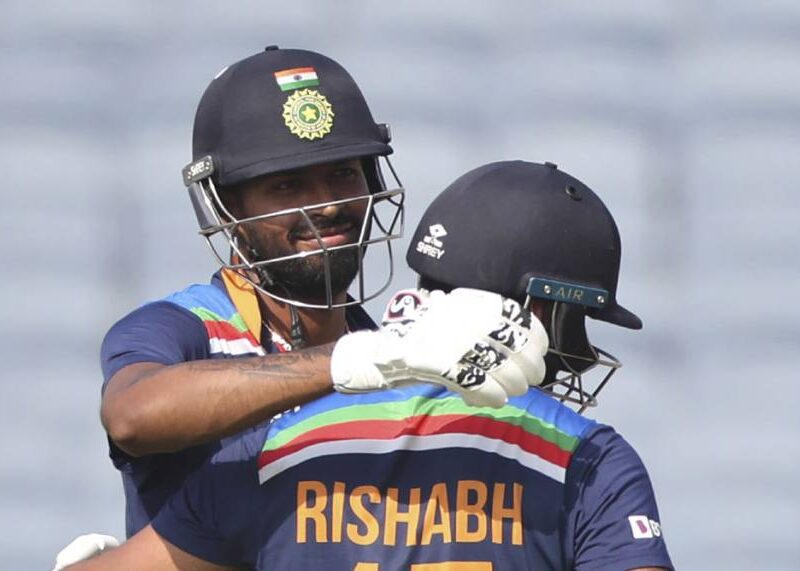 भारत के इस पूर्व खिलाड़ी का दावा, ये 2 खिलाड़ी बन सकते हैं धोनी के उत्तराधिकारी 8