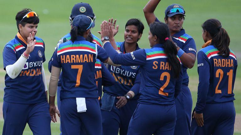 भारत ने फील्डिंग के दम पर अंग्रेजो को दिया मात, दूसरे टी20 में 8 रनों से जीता मैच 5