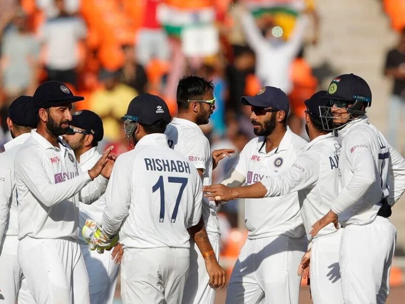 सुनील गावस्कर और दिलीप वेंगसरकर को इस भारतीय ने दिया जवाब, टीम इंडिया में बदलाव की जरूरत नहीं 10