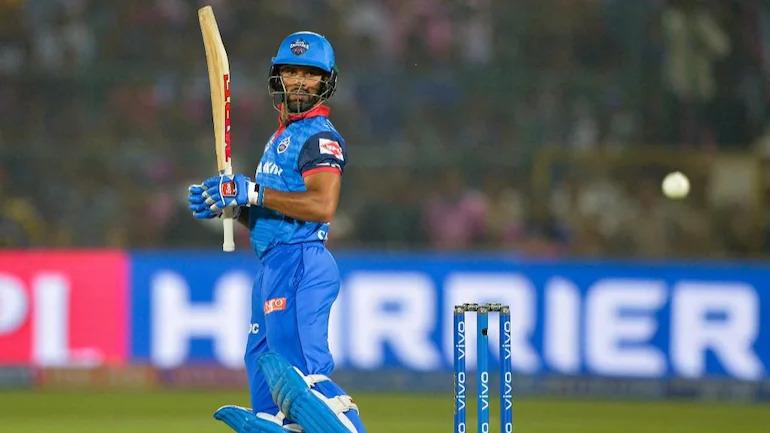 IPL 2021: शिखर धवन ने छोड़ा कोहली और रोहित को पीछे, फिर भी चयनकर्ताओं को नहीं दिखा गब्बर में टी20 कौशल 8