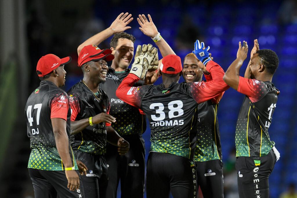 CPL 2021: बल्ला टूटने के बाद आक्रामक हुए क्रिस गेल, ठोक दिए 4 गेंदों पर 18 रन और फिर.... 3