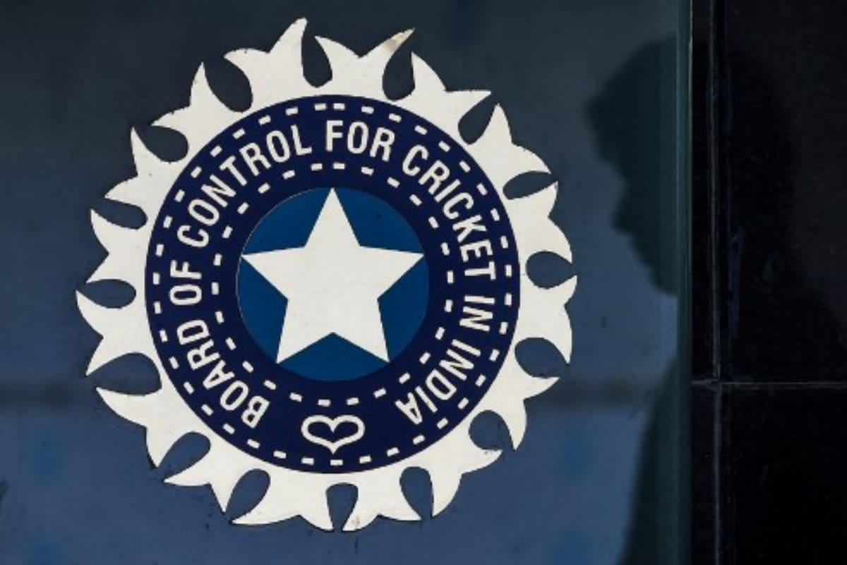 T20 वर्ल्ड कप के लिए BCCI ने लॉन्च की टीम इंडिया की नई जर्सी, देखें विराट सेना का नया लुक 3