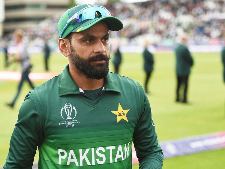 """""""टी20 विश्व कप में चुने गये मोहम्मद हफीज टूर्नामेंट से पहले ही ले सकते हैं संन्यास"""" कामरान अकमल ने किया दावा 1"""