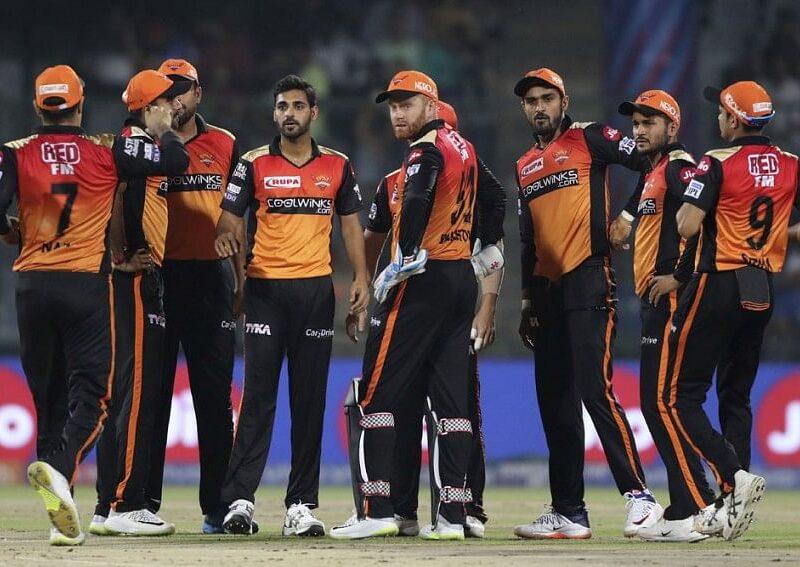 IPL 2021: सनराइजर्स हैदराबाद का स्टार खिलाड़ी हुआ कोरोना पॉजिटिव, रद्द हो सकता है आज दिल्ली कैपिटल्स और SRH का मैच 16