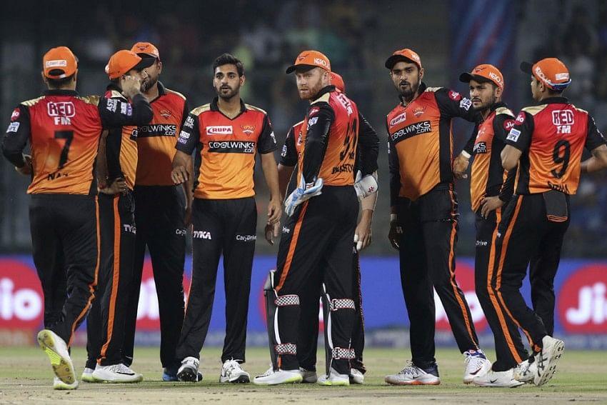 IPL 2021: सनराइजर्स हैदराबाद होगी अब पहले से मजबूत फ्रेंचाइजी ने अफगानिस्तान के इन 2 खिलाड़ियों को किया टीम में शामिल 2