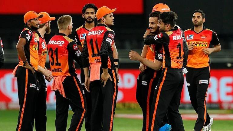 IPL 2021: दिल्ली कैपिटल्स के खिलाफ ऐसी हो सकती है सनराइजर्स हैदराबाद की प्लेइंग 11, इन 4 विदेशी खिलाड़ियों को मिलेगी टीम में जगह 16