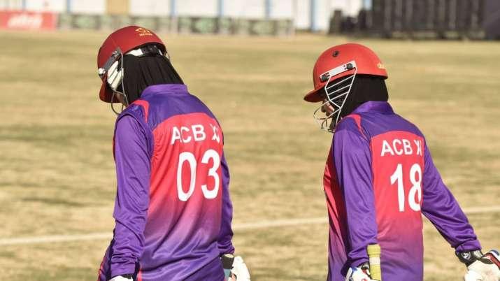 अफ़ग़ानिस्तान में महिलाओं के क्रिकेट खेलने पर लगा बैन, तालिबान ने बैन करने का दिया ये कारण 3