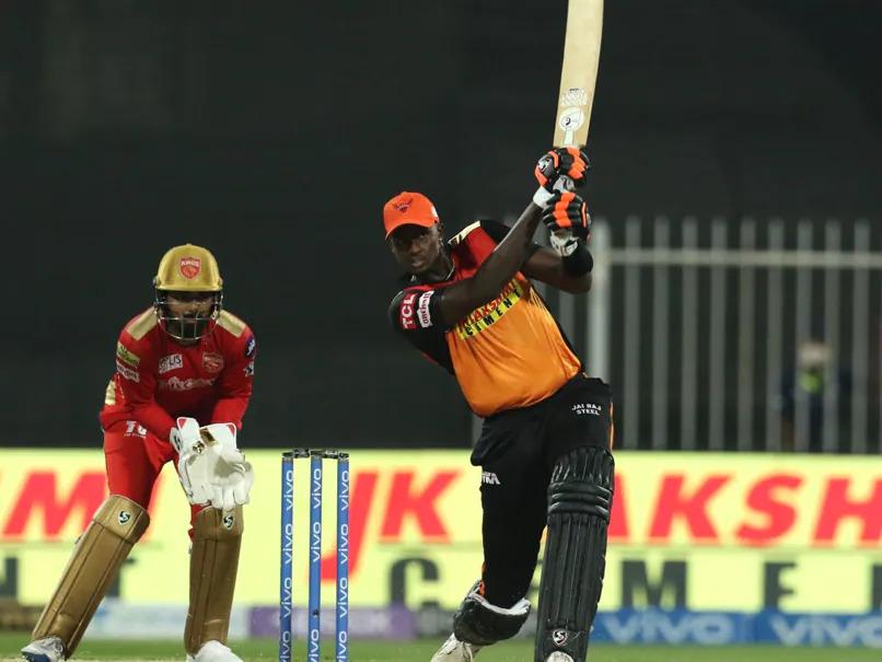 IPL 2021 PBKS vs SRH: रोमांचक मुकाबले में पंजाब किंग्स ने सनराइजर्स हैदराबाद को 5 रन से हराया, प्लेऑफ की रेस से बाहर हुई केन विलियमसन की टीम 3
